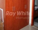 raywhite_1977_img_11.jpg